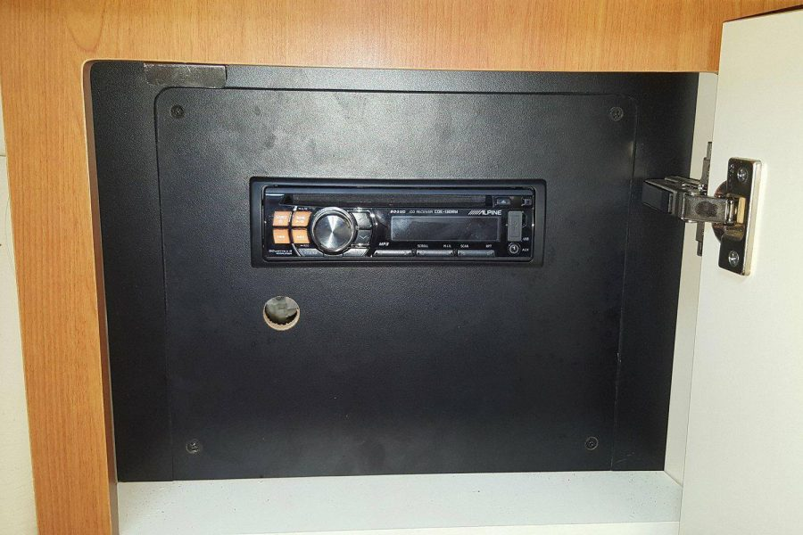 Maxum 2900se - Alpine marine stereo