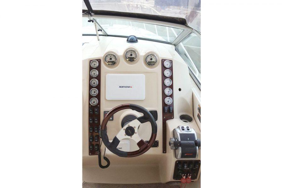 Maxum 2900se - helm position