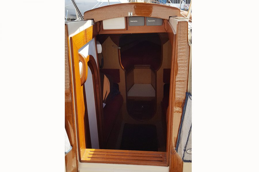 Yarmouth 23 Gaff Rig Topsail Cutter restored by Morgan Marine - looking into cabin