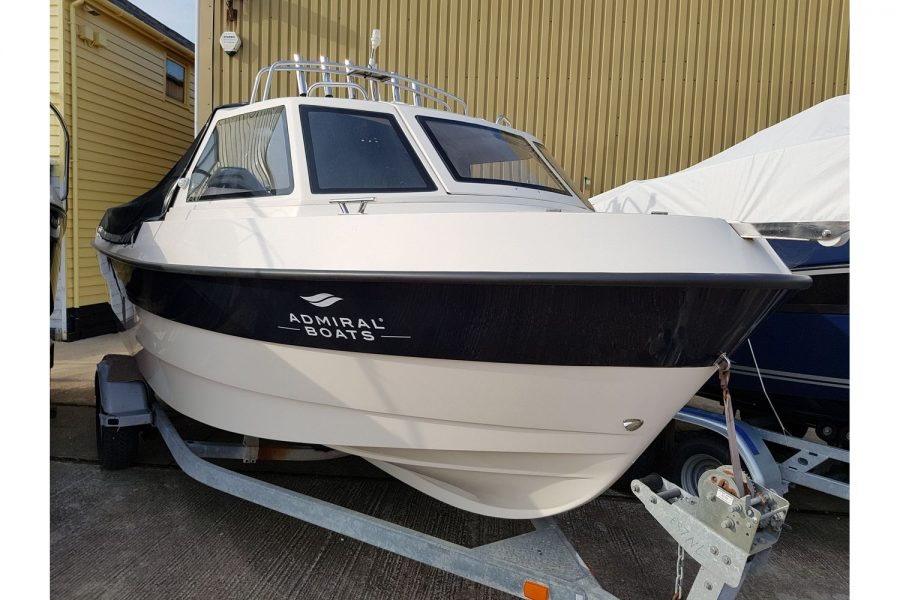 Pro-Fish 660 - starboard side bow