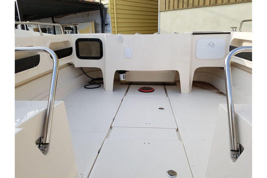 Pro-Fish 660 - aft cockpit