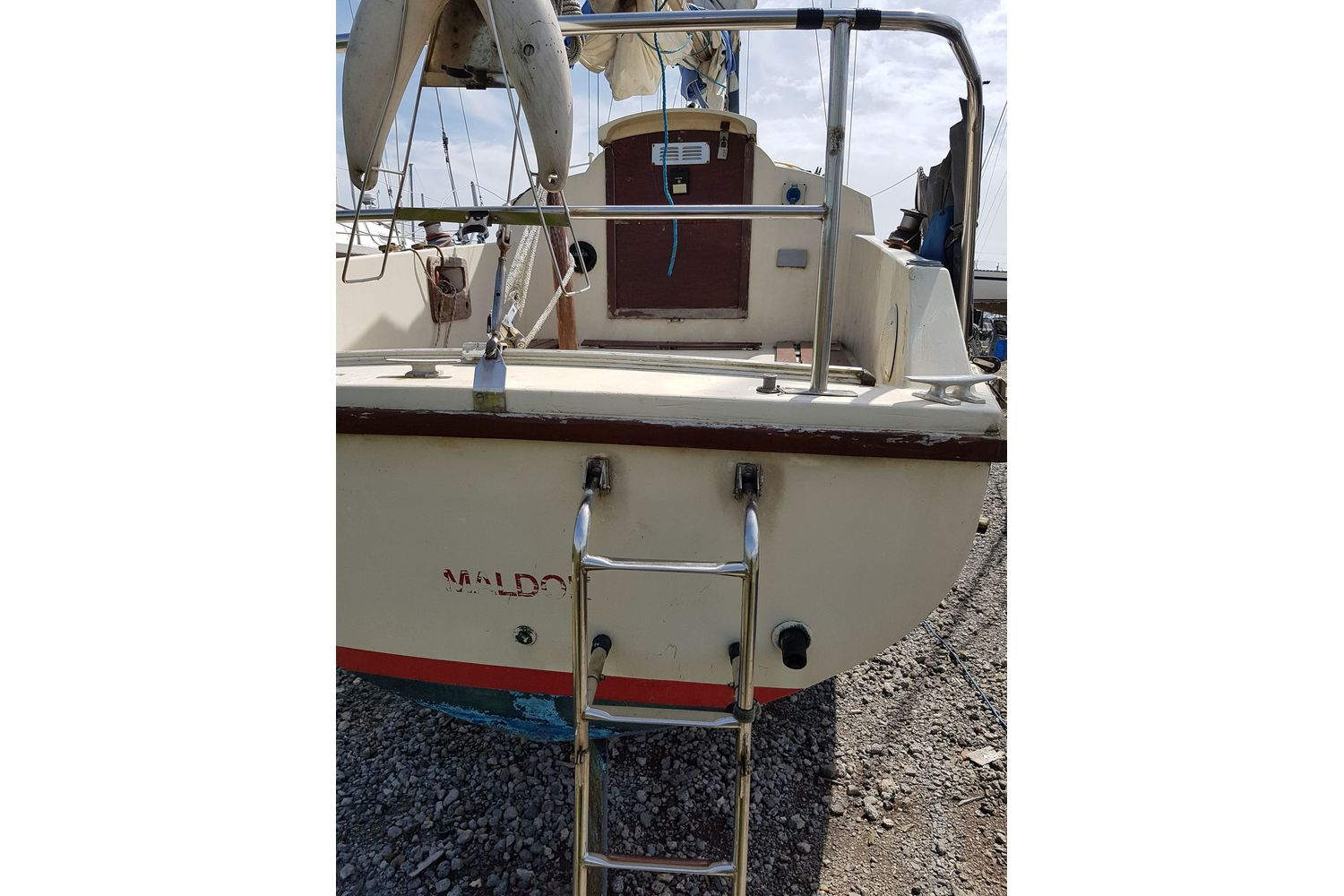 Westerly Pageant 23 - transom and boarding ladder