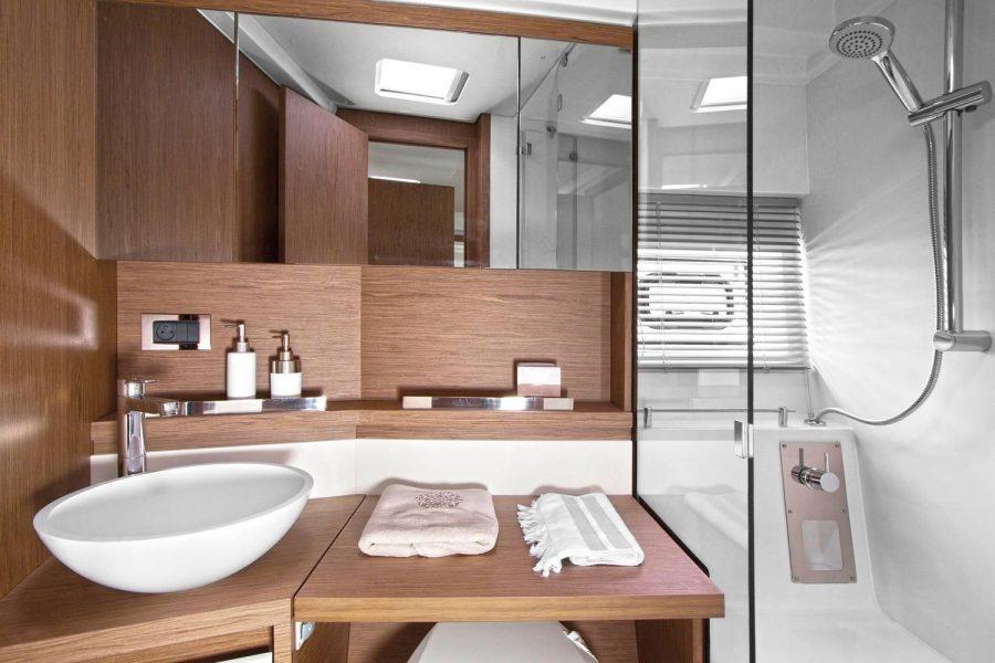 Leader-40-Bathroom