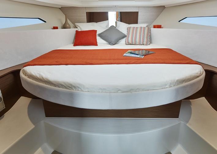Jeanneau NC 9 Diesel - cabin