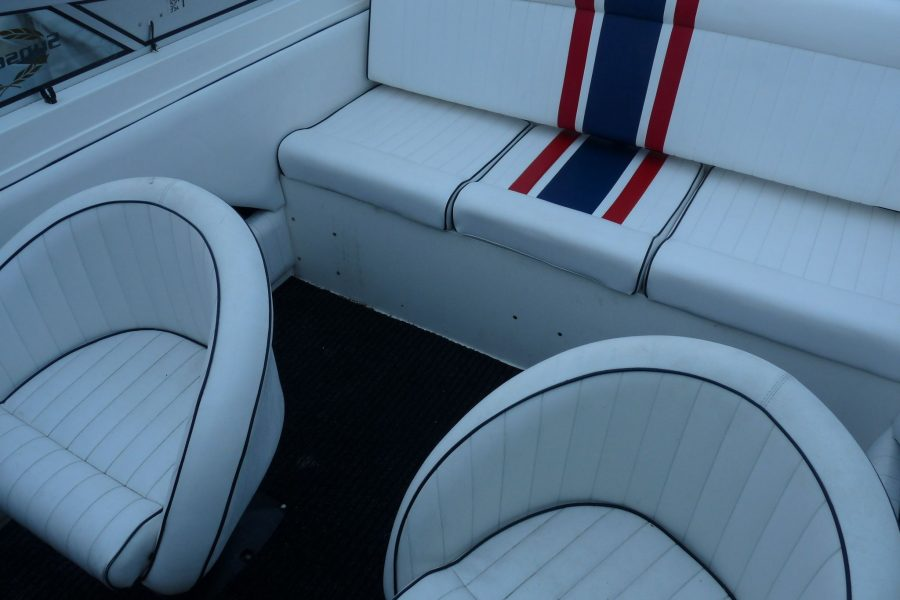Sunseeker Portofino XPS 21 - cockpit seating