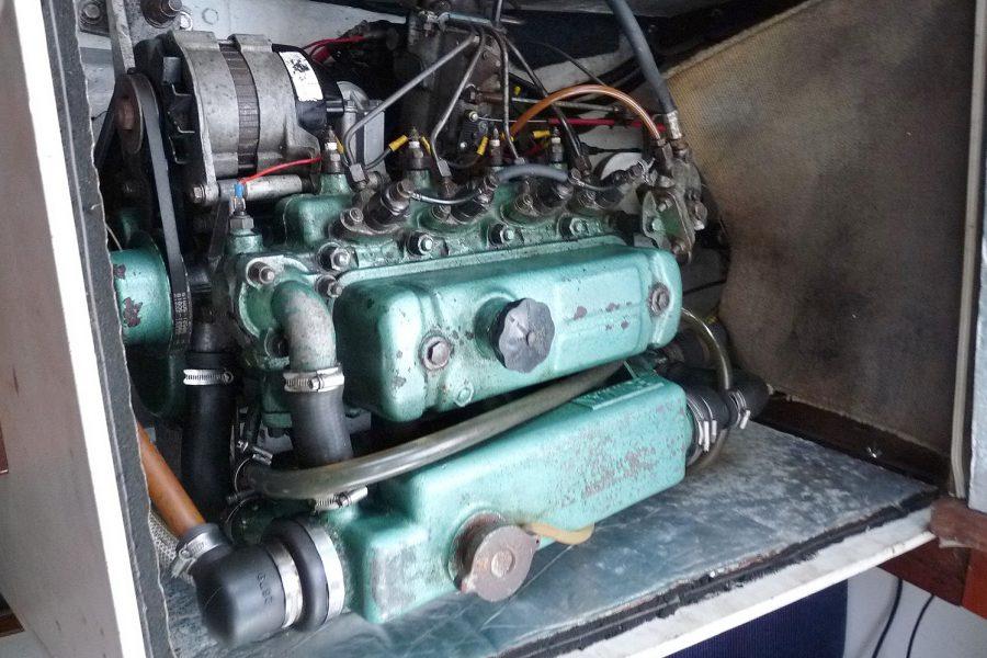 Atlanta Viking 8.5 Yacht - inboard diesel engine
