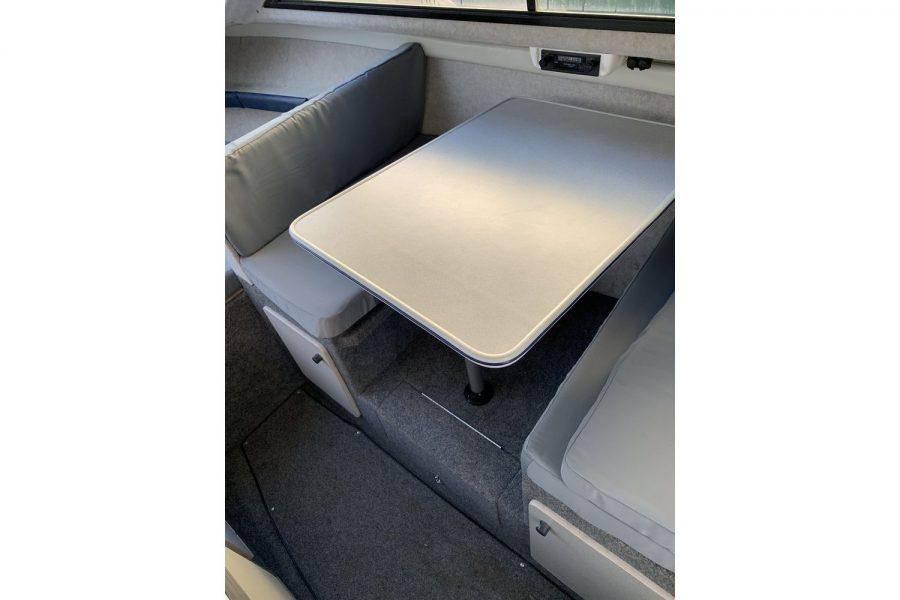 Bayliner 2452 Diesel - table