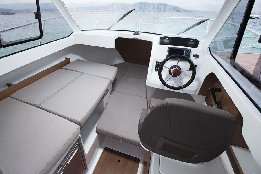Jeanneau Merry Fisher 605 - wheelhouse convertible seating