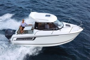 Jeanneau Merry Fisher 605 – with 'must-have' upgrades