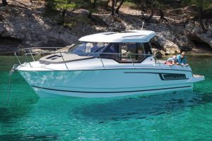 Jeanneau Merry Fisher 795 – with 'must-have' upgrades