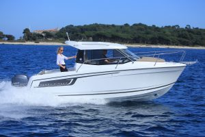 Jeanneau Merry Fisher 695 – with 'must-have' upgrades