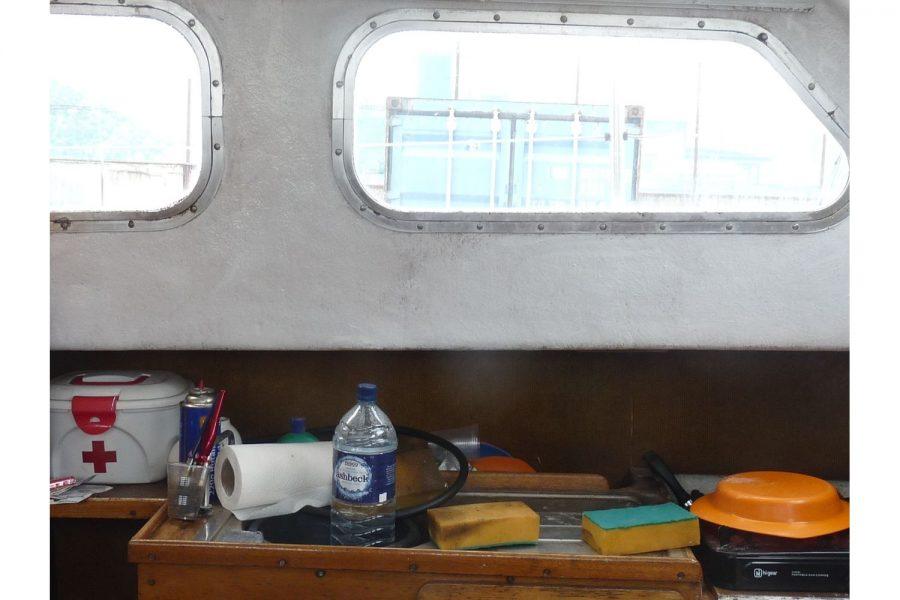 Swinranger Motorsailer - hull windows