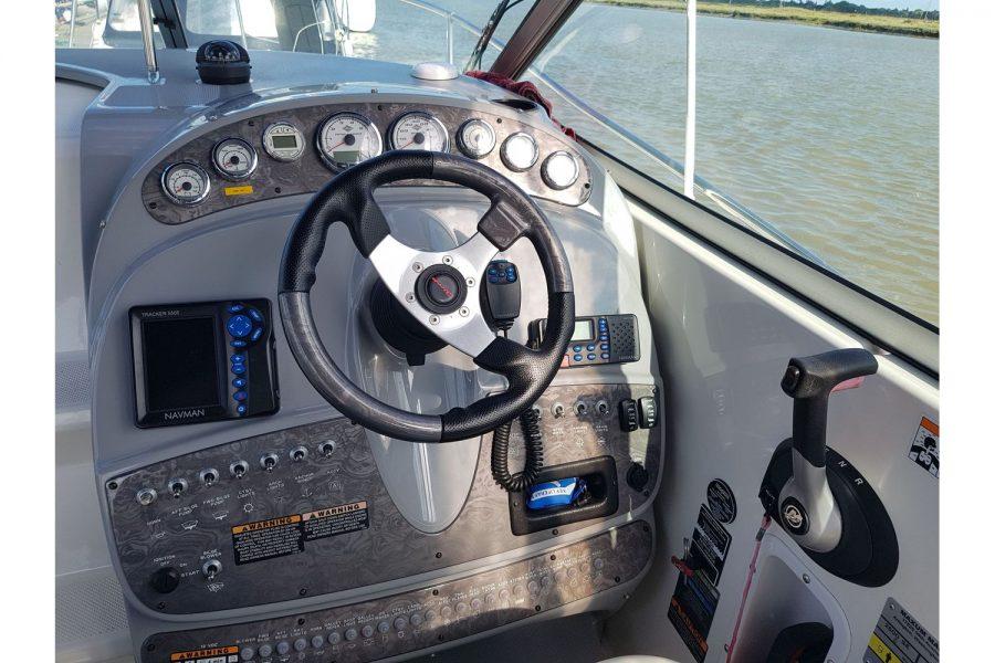 Maxum 2600 SE - engine controls