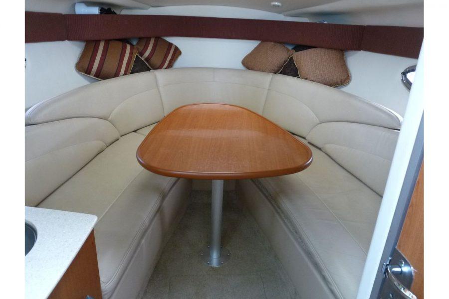 Maxum 2600 SE - cabin