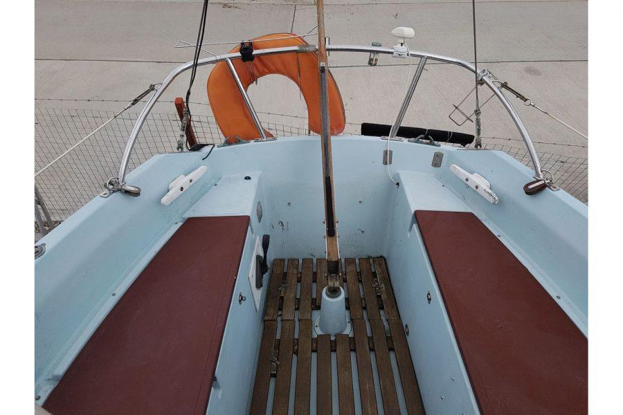 Sabfre 27 - cockpit