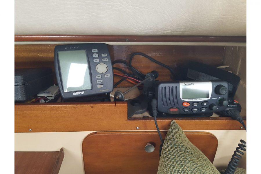 Sabfre 27 - GPS and VHF