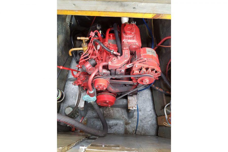 Sabfre 27 - inboard diesel engine