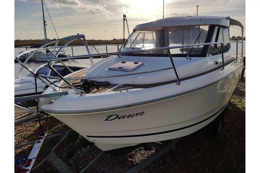 Jeanneau Merry Fisher 755 - in the sun