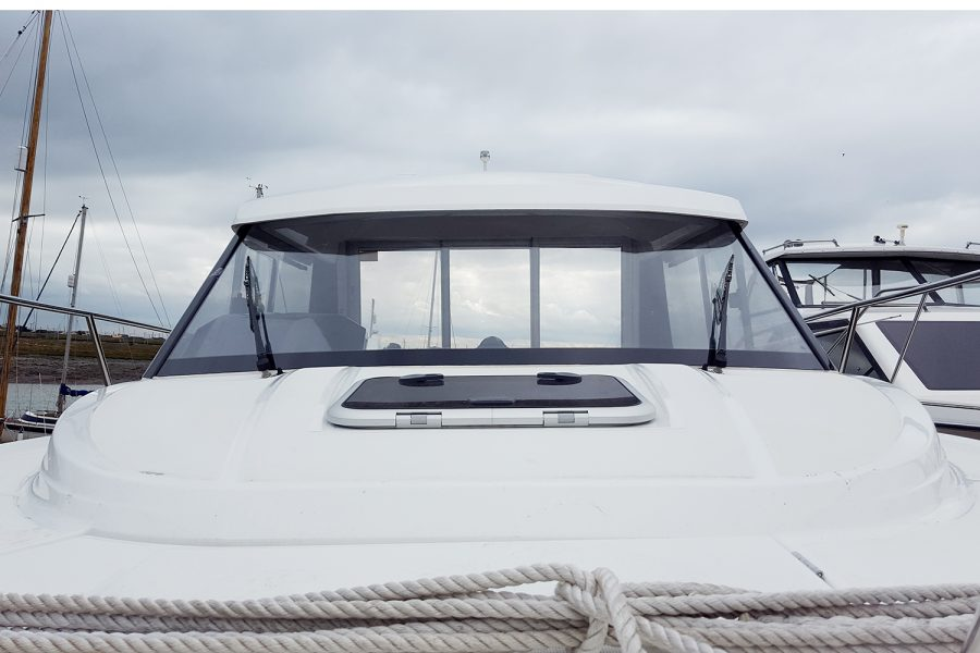 Jeanneau Merry Fisher 695 - hatch to deck