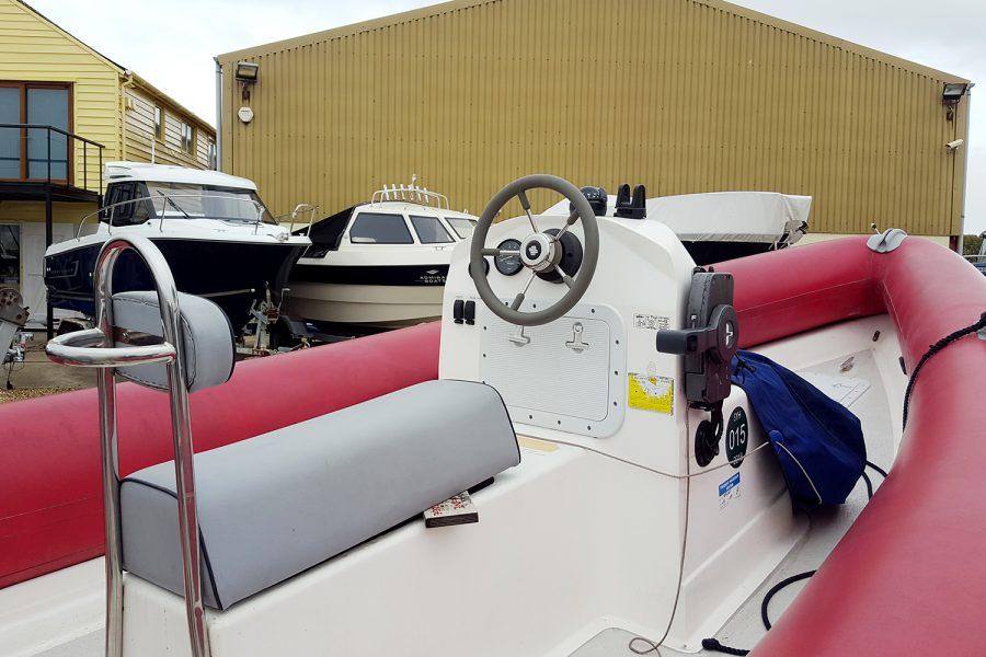 Porters Tohatsu 5.8m RIB - console and double jockey seat