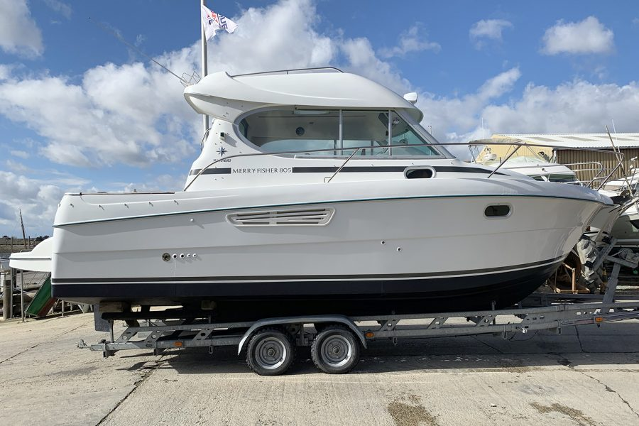 Jeanneau Merry Fisher 805 - starboard side