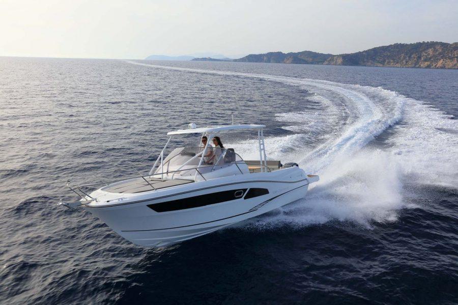 Jeanneau Cap Camarat 9.0WA - on the water