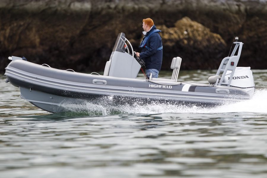 Highfield OM 460 aluminium RIB - on the water