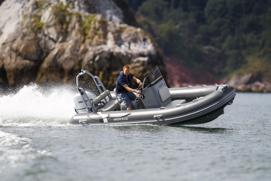 Highfield OM 460 aluminium RIB - turning