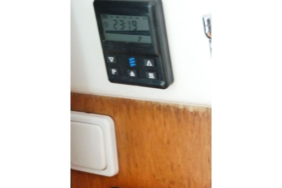 Jeanneau Merry Fisher 805 - diesel heating controls
