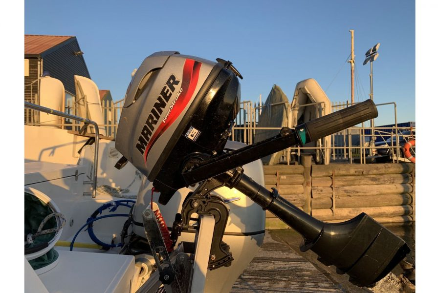 Ocqueteau 6.15 - Mariner auxiliary outboard