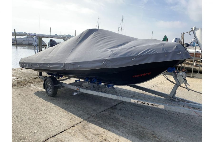 Gemini Waverider 600 RIB - with overall cover