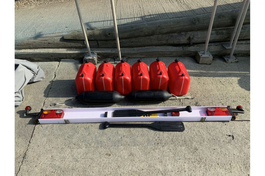Gemini Waverider 600 RIB - fuel cans and lighting set