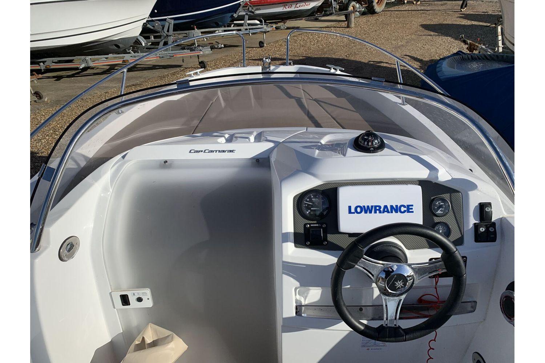 Jeanneau Cap Camarat 5.5 WA - cockpit to bow