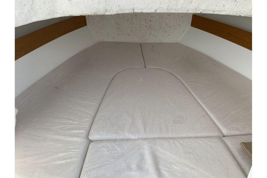 Jeanneau Cap Camarat 5.5 WA - cabin