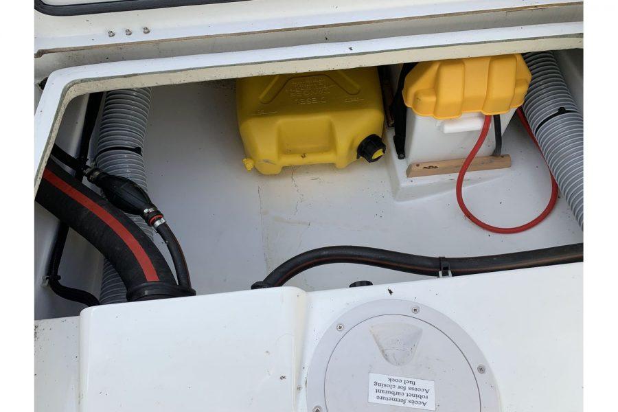 Jeanneau Cap Camarat 5.5 WA - fuel tank
