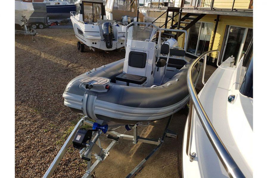 Highfield OM 540 aluminium RIB - view from bow