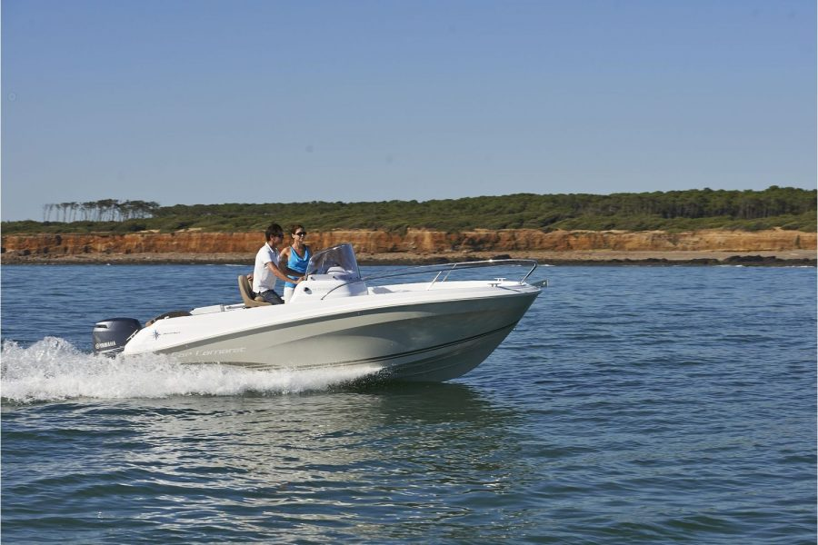 Jeanneau Cap Camarat 5.5cc - fun on the water