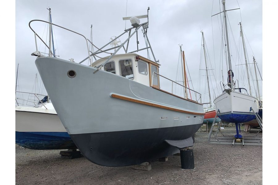 Freeward 30 fishing boat - port side