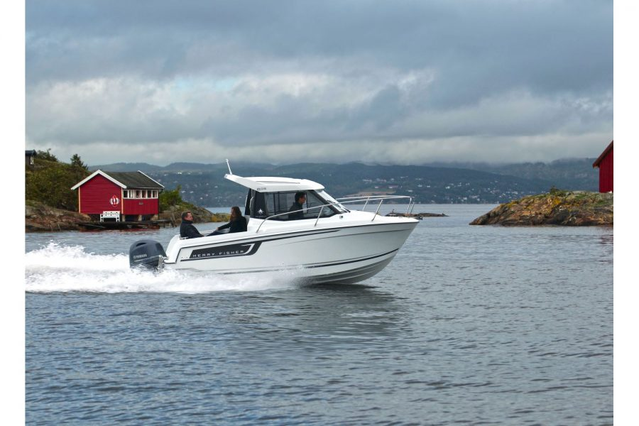 Jeanneau Merry Fisher 605 - on the water