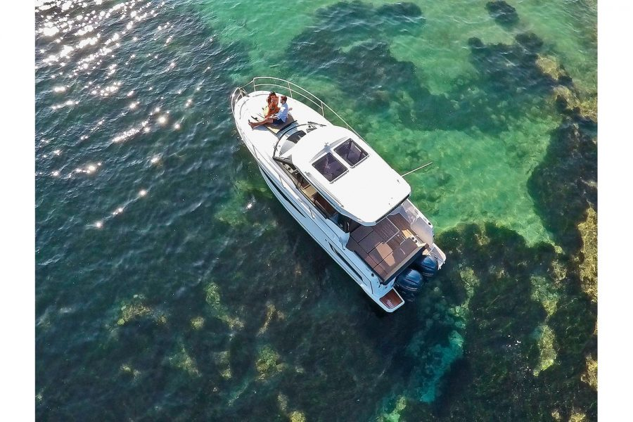 Jeanneau Merry Fisher 895 - view from above