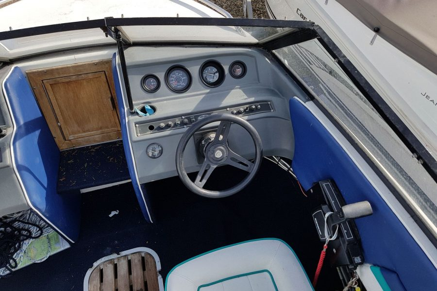 Sunbird SPL 171 - helm position
