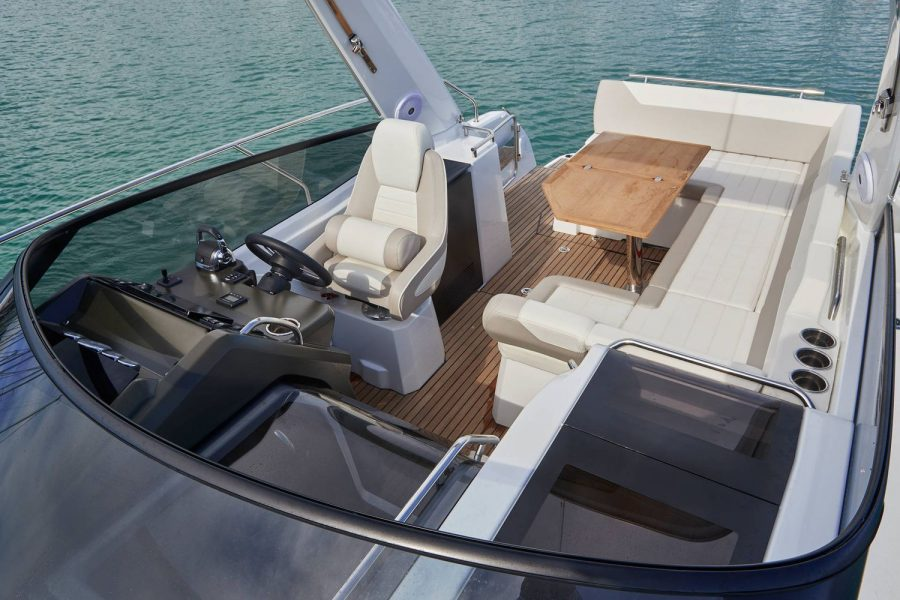 Jeanneau Leader 30 - view to aft