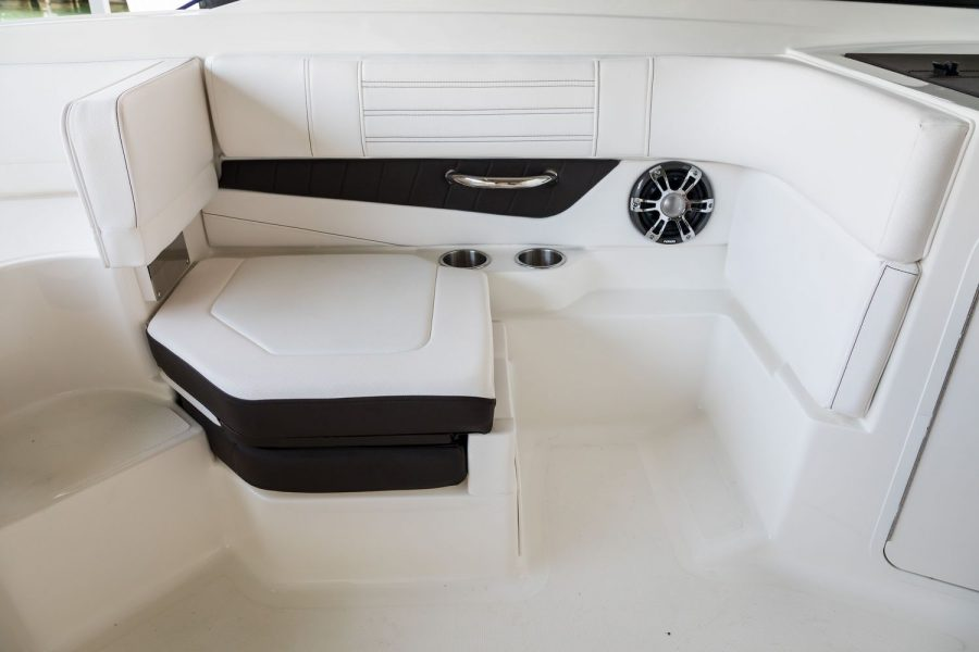 Sea Ray SPX 190 OB - starboard seat 2