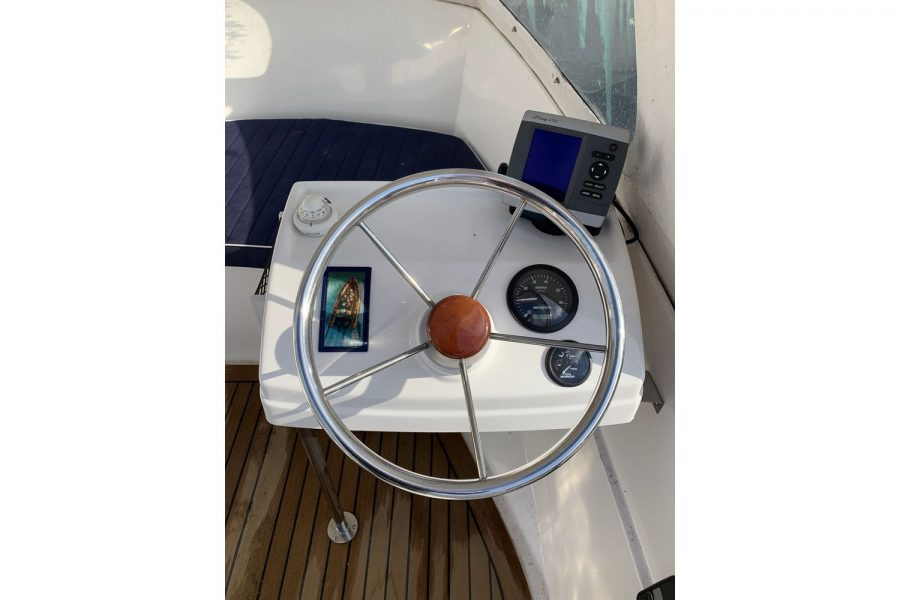 Westport Pilot 4 - console and wheel