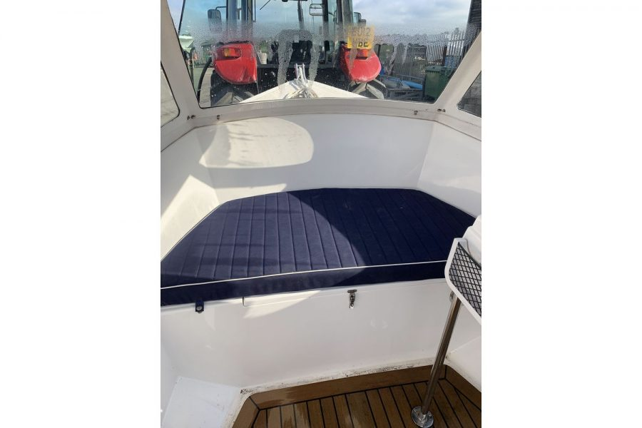 Westport Pilot 4 - bow seating