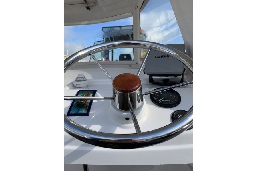 Westport Pilot 4 - console and cuddy