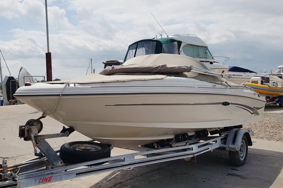Sea Ray 176 - bow