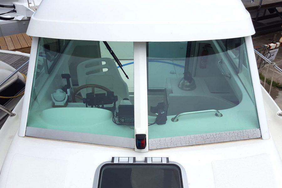 Jeanneau Merry Fisher 625 - Scarba - windscreen