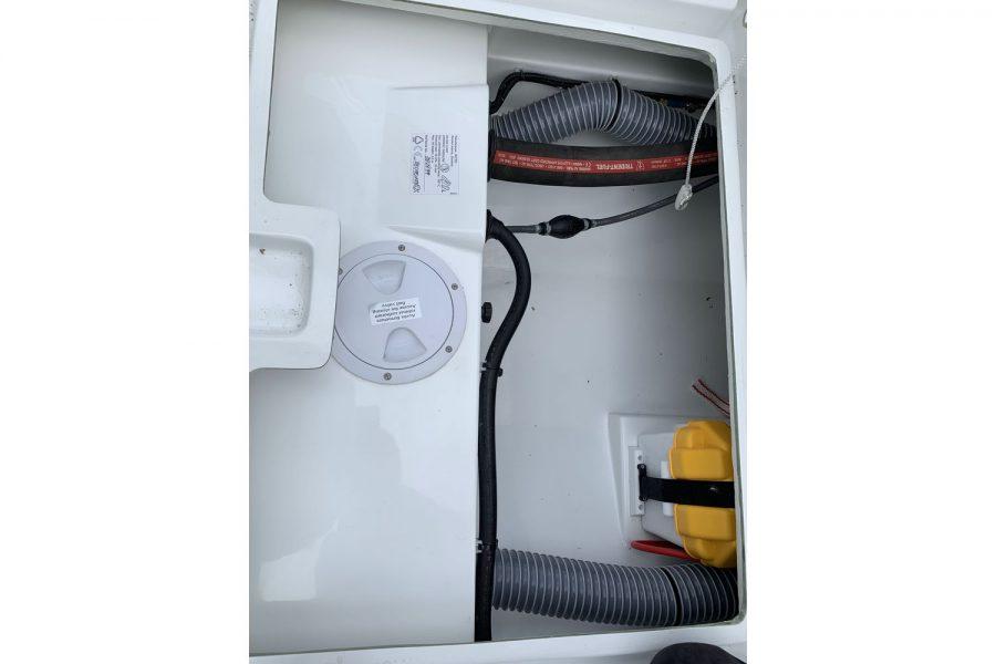 Jeanneau Cap Camarat 5.5 WA - storage