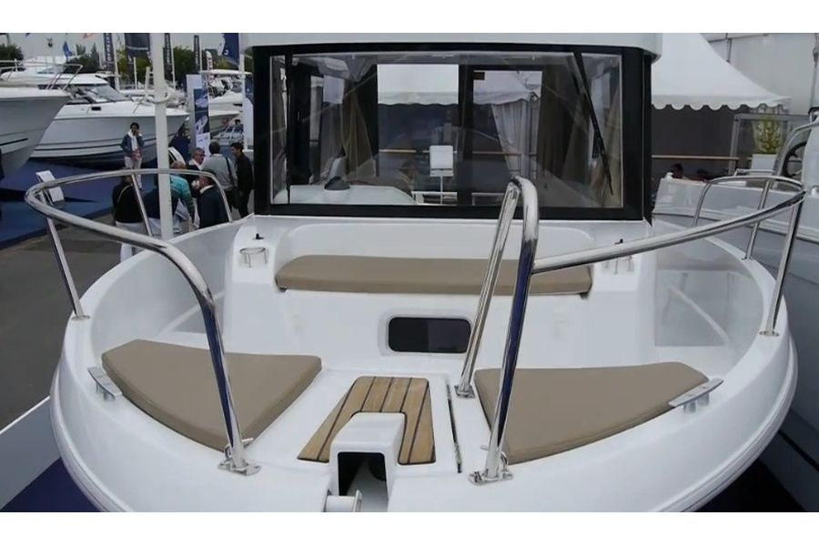 Jeanneau Merry Fisher 755 Marlin - bow seating